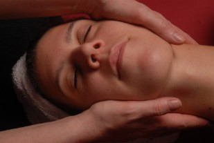 Lomi-Lomi-Massage-Diethild-Medina